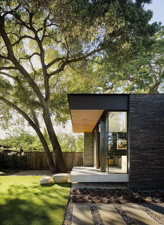 Una casa con su jardín individual